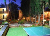 Garden-and-BBQ-corner-at-night